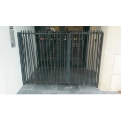 grille entrée d'immeuble